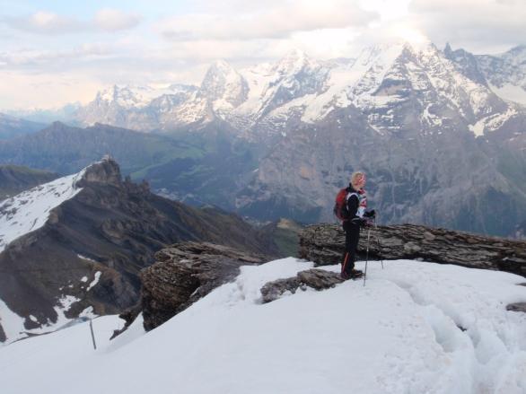 Kisoissa pääsee parhaiden maisemie äärelle. Tässä nousemassa Schilthornille Apexissa vuonna 2011.